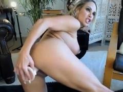 milf-masturbation-wet-pussy-webcam