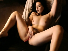 amazing-arabic-babe-rubs-her-pussy-solo