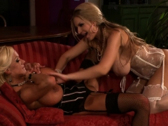kinky-girls-are-pleasuring-each-other-with-oral