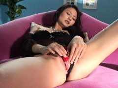 Rubbing Her Wet Pussy With A Sex Toy With Audacity