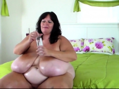 solo-mature-with-huge-dilso-bbw