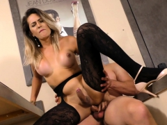 tgirl-and-dude-trade-blowjobs-and-he-fucks-her-ass