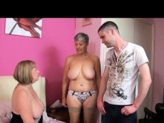 tac-amateurs-presents-granny-savana-and-milf-speedybee