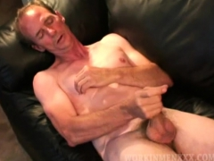 mature-amateur-tim-jacks-off