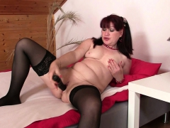 Wife Finds Her Older Mom And Hubby Fucking