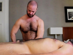 Musclebull Power Fucks Topher Raw