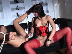 amazing lesbians play with new toys – Free XXX Lesbian Iphone