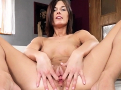Horny Czech Chick Opens Up Her Yummy Vulva To The Extreme86g