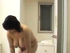 asian-shower-voyeur