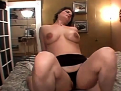 short-haired-busty-milf-pounded-in-bed