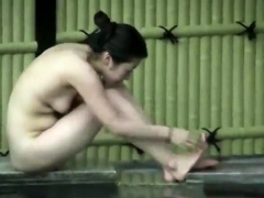amateur-japanese-girl-gives-public-handjob