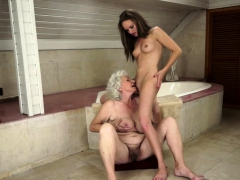 les granny pussylicking woman at the bathroom granny sex movies