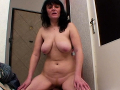 milf-gets-her-cunt-pounded-in-various-positions