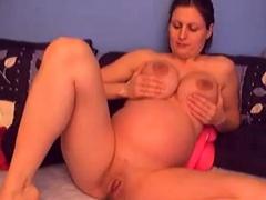 nice-preggo-girl-in-webcam