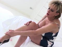 cheating-uk-mature-gill-ellis-flashes-her-giant-boobs28ieo
