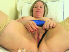 english-milf-camilla-creampie-lowers-her-leather-pants