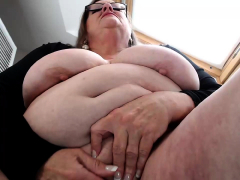 bbw-granny-linda-masturbation-with-beads