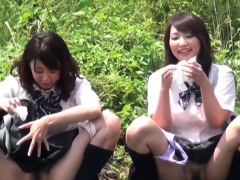 asian-teens-squat-and-pee