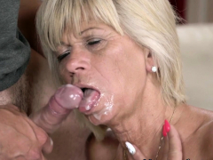 blonde-granny-gives-head