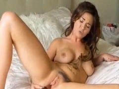 beautiful sexy babe plays her cute twat