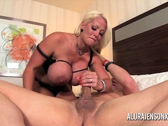 alura jenson has her way with her girlfriend jen hexxx