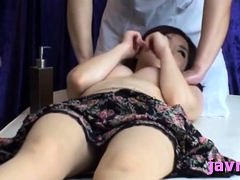 Sexy awesome chick engulf her meat lolly