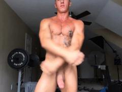 muscle-men-scene-4