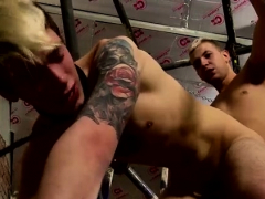 Hungry gay euro amateurs suck on cock