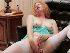 Big toy made her moan loudly