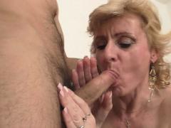 he-picks-up-skinny-blonde-mature-woman