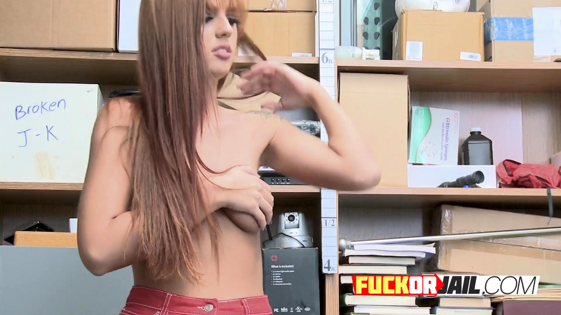Horny redhead opens her PUSSY to BIG-DICKED investigator