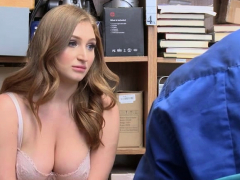 shoplifter-skylar-snow-plays-her-pussy-in-front-of-lp