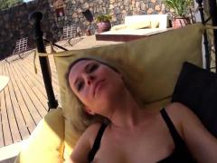 hot-deutsch-blondine-auf-terrasse-creampie-gefickt
