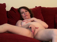 american-milf-brie-gets-herself-in-the-mood