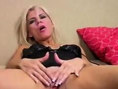 mommy-likes-to-masturbate