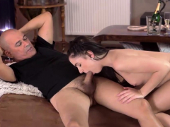 old4k-kittina-ivory-is-happy-to-spend-naughty