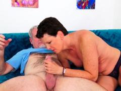 hot-mature-lady-beth-mckenna-gets-railed