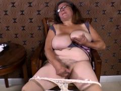 omageil horny granny masturbation her old twat