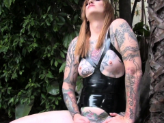 Hot and horny trans gal tugging her ts cock