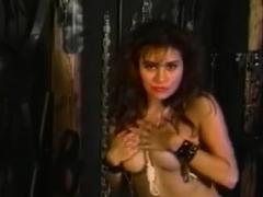 BRUCE SEVEN – Sexy Elise Di Medici Strips
