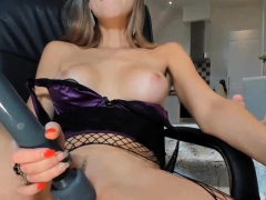 blonde-hot-babe-the-hottest-strip-naughty-live