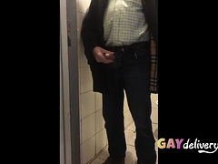 grandpa-flash-me-in-toilet