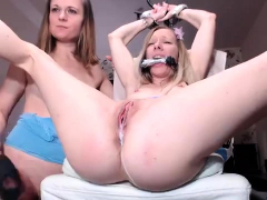 fetish ho lick vagina and finger in lesbian scene and love it