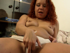 redhead-beauty-would-love-to-please-you