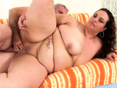 plumper-mommy-angelina-gets-stretched