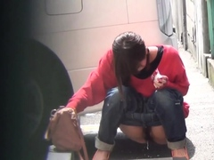 urinating-asians-spied-on-leaving-pee-puddles