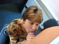 mature-amateur-has-a-hairy-pussy