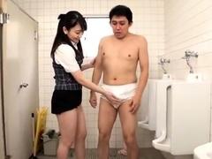 subtitled-cfnm-japanese-cougar-hotel-handjob-cumshot