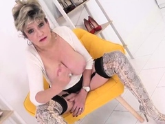 lady-sonia-teases-while-giving-you-joi