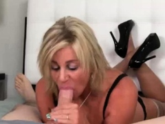 blonde housewife performs blowjob